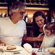 Exclusif - Andrea Bocelli fête son 56e anniversaire avec Veronica et leur fille Virginia à l'Hôtel O'Connell's à Melbourne, le 22 septembre. Le ténor italien est en Australie à l'occasion du lancement de ses vins sur le marché australien.