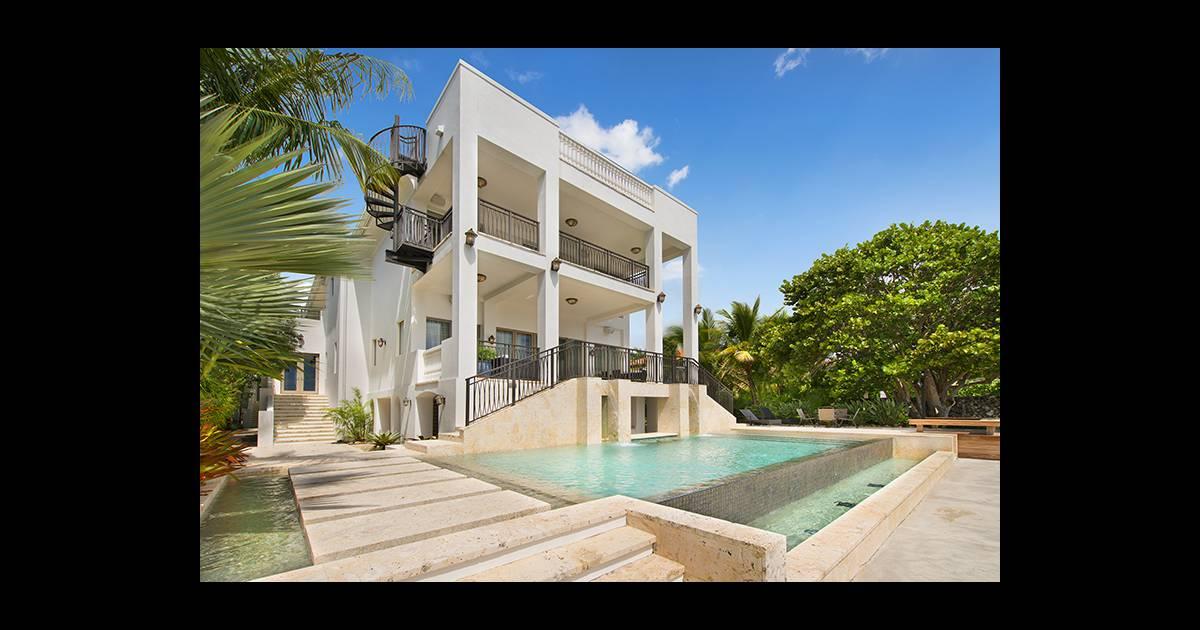 lebron james le divorce avec miami sa maison en vente 17 millions de dollars purepeople. Black Bedroom Furniture Sets. Home Design Ideas