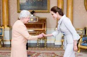 Angelina Jolie, honorée par Elizabeth II devant Brad Pitt et ses six enfants
