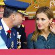 Le roi Felipe VI d'Espagne, avec sa femme la reine Letizia, présidait pour la première fois de son règne les célébrations de la Fête nationale espagnole, le 12 octobre 2014 à Madrid.