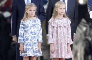 Letizia et Felipe VI d'Espagne: 1re Fête nationale de Leonor et Sofia, curieuses