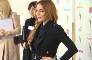 Lindsay Lohan : Élégante en soirée, elle prône le girl power !