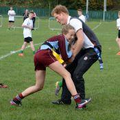 Prince Harry, coach de rugby : Plaquages et mêlées, il transmet sa passion