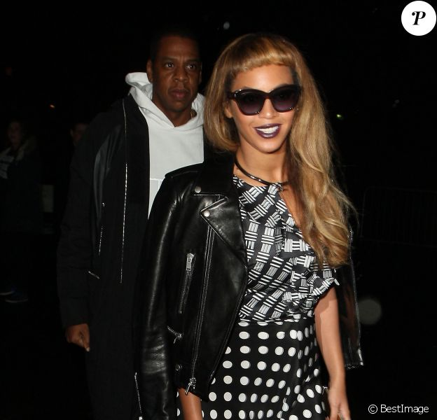 Beyoncé Knowles et Jay Z vont dîner un restaurant et se rendent dans une galerie d'art à Londres le 15 octobre 2014.