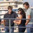 Rafael Nadal et sa belle Xisca ont visité un yacht de luxe, le Blue Ice, à Cannes, le 15 octobre 2014, avec l'idée de se l'offrir pour y passer ses vacances d'été. Une petite folie à 27,9 millions d'euros