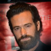Romain Duris aime les transformations : De travesti à beau gosse barbu...