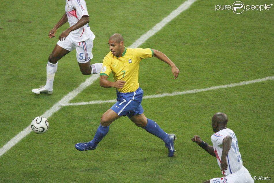 Adriano lors de la coupe du monde 2006 entre le br sil et la france la commerzbank a - Musique coupe du monde 2006 ...