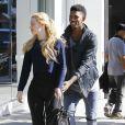"""""""Exclusif - Iggy Azalea et son petit ami Nick Young, doté de mains baladeuses lors d'une sortie courses à Los Angeles. Le 2 novembre 2014."""""""