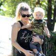 """"""" Fergie et Josh Duhamel sont allés chercher leur fils Axl à l'école à Santa Monica, le 6 novembre 2014. """""""