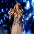Carrie Underwood sur scène lors de la cérémonie des CMA Awards à Nashville, le 5 novembre 2014.