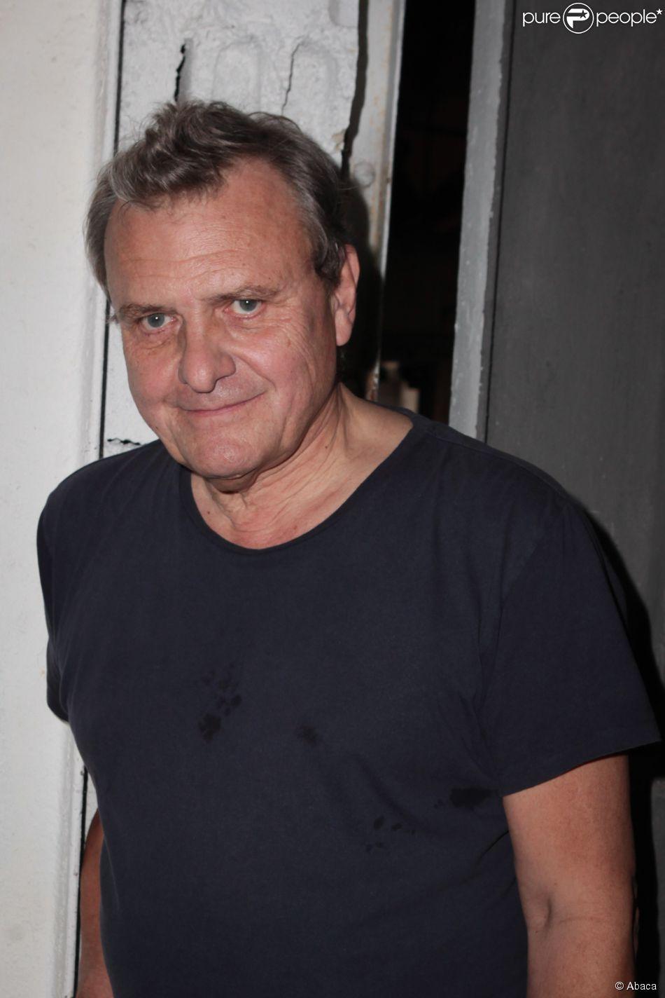 Jean charles de castelbajac attending his spring summer for Garage jean charles nacci
