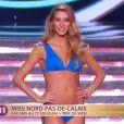 Miss Nord-Pas-de-Calais défile en robe de princesse lors de la cérémonie de Miss France 2015 sur TF1, le samedi 6 décembre 2014.