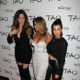 Kim Kardashian, Kourtney Kardashian et Khloé Kardashian à Las Vegas, le 25 octobre 2013.