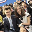 Keira Knightley et James Righton lors du défilé Chanel à Paris le 4 mars 2014