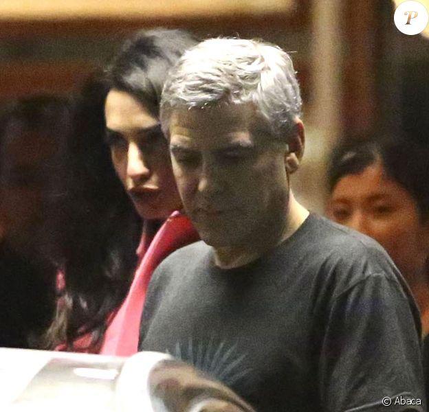 George Clooney et sa femme Amal se rendant au restaurant Asanebo Sushi à Los Angeles avec un couple d'amis le 17 décembre 2014
