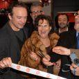 Vincent Perez, Claudia Cardinale, Alfred Schopf ( PDG, Leica Camera AG), Bernard Montiel - Inauguration du Concept Store Leica Paris 8 au 105 rue Faubourg Saint Honoré à Paris