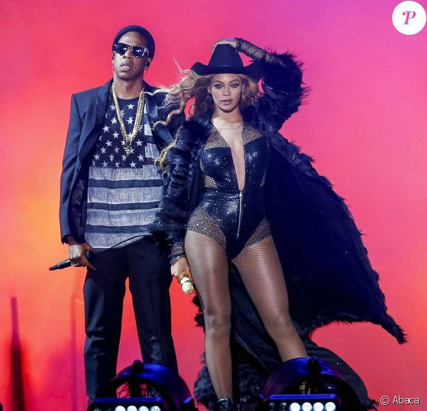 Jay Z et Beyoncé en concert à Houston. Le 18 juillet 2014.