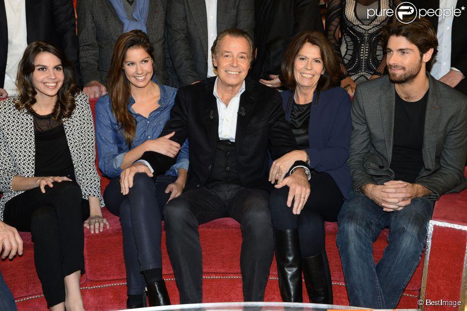 Michel Leeb, sa femme Beatrice, et leurs enfants Elsa, Fanny et Tom - Enregistrement de l'émission Vivement Dimanche à Paris, le 7 janvier 2015. L'émission sera diffusée le 11 janvier 2015.