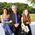 Mark Shand, frère de la duchesse Camilla Parker Bowles, avec son ex-épouse Cleo Goldsmith et leur fille Ayesha en juin 2010 lors d'un événement caritatif
