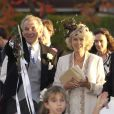 Mark Shand et Camilla Parker Bowles en famille le 4 octobre 2003 lors du mariage d'une nièce de la duchesse à Stourpaine, dans le Dorset.