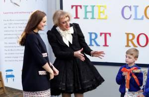 Kate Middleton, enceinte de 6 mois: Divine au côté d'un travesti pour un baptême