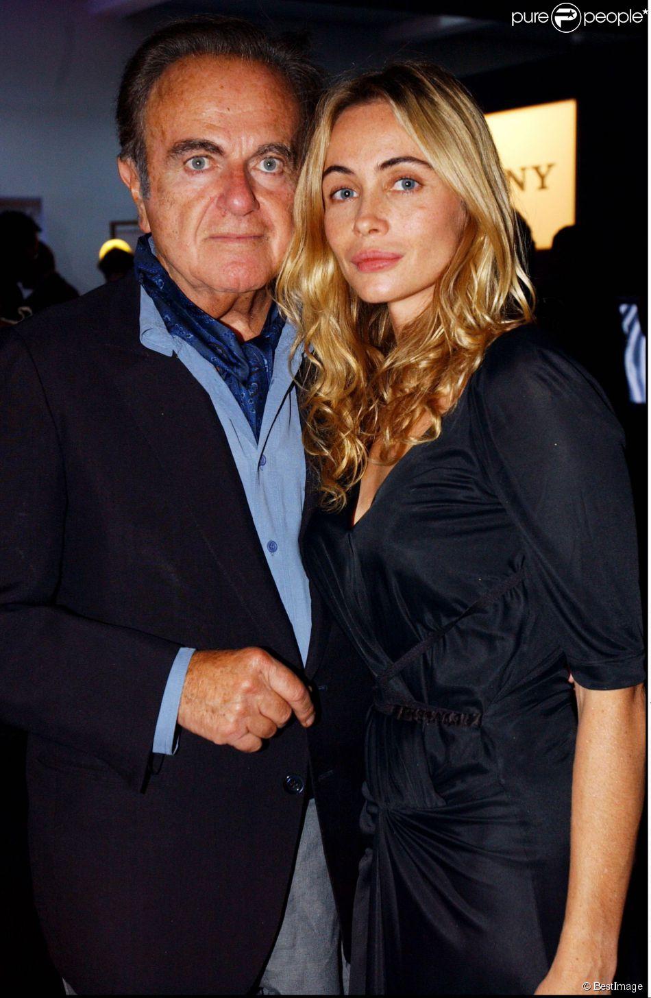 Guy béart et sa fille Emmanuelle lors de la soirée d'inauguration du Sony Dream World au Palais des Congrès le 4 septembre 2003