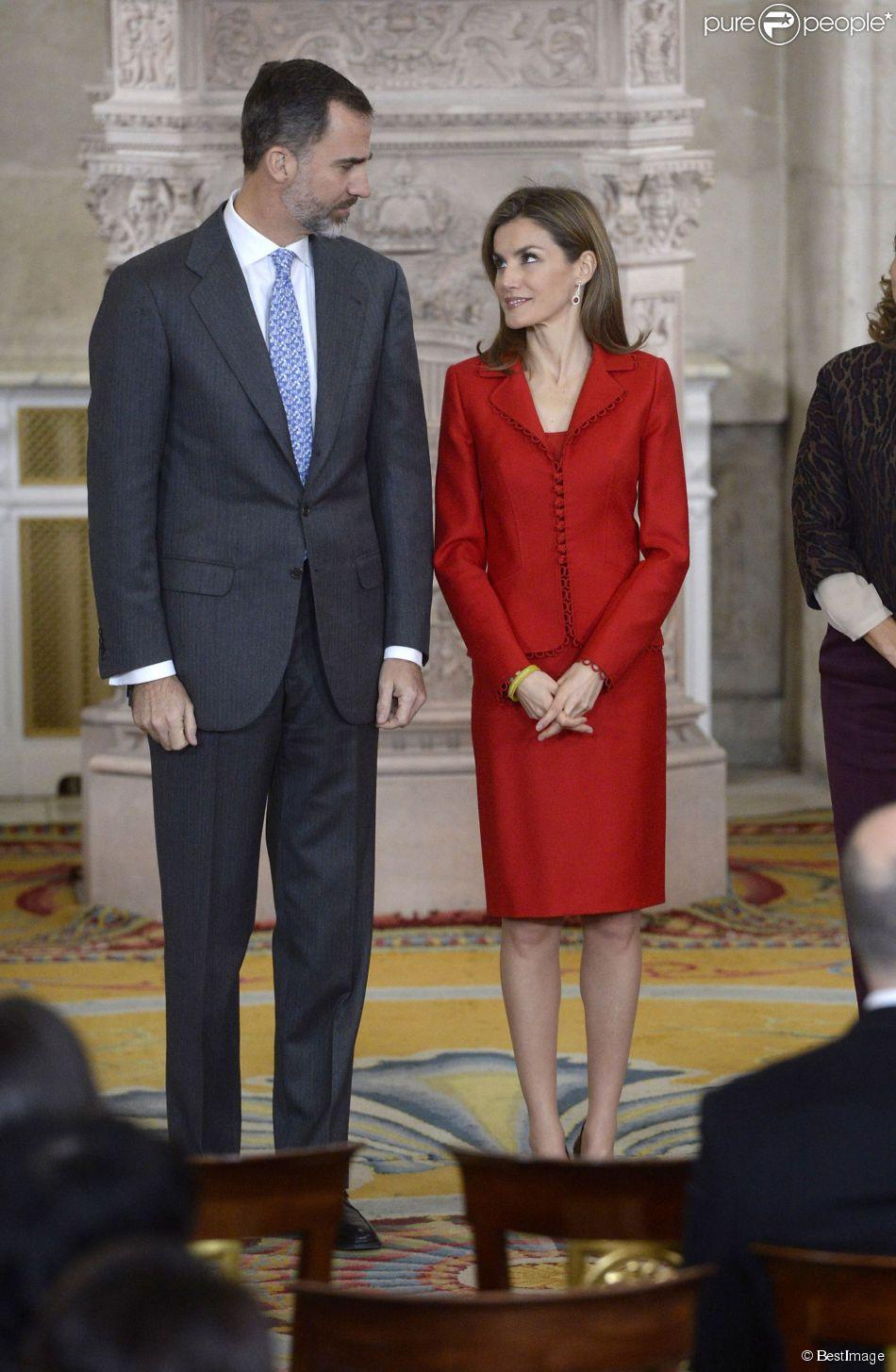 Le roi Felipe VI et la reine Letizia d'Espagne à la cérémonie de remise des prix de la recherche le 15 janvier 2015