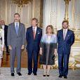 Le roi Felipe VI et la reine Letizia d'Espagne sont reçus par le grand-duc Henri, la grande-duchesse Maria Teresa, le prince Guillaume et la princesse Stéphanie le 11 novembre 2014