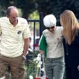 Les parents d'Amanda Bynes Rick Bynes et Lynn Organ arrivent à l'hôpital de Las Encinas, à Los Angeles, le 10 octobre 2014.