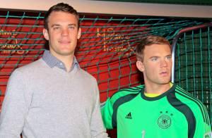 Manuel Neuer : La star du Bayern Munich dévoile un double de cire... plus petit