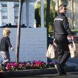 Exclusif - Robin Thicke va faire des courses avec son fils Julian au Bristol Farms dans le quartier de West Hollywood, le 1er février 2015.
