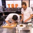 Jérémy et Florian travaillent le carotte-boeuf façon Jean-François Piège, dans Top Chef 2015 sur M6, le lundi 2 février 2015.