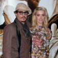 Johnny Depp et Amber Heard lors de l'avant-première du film Rhum Express à Paris le 8 novembre 2011