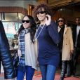 Whitney Houston et sa fille Bobbi Kristina à la sortie du Medical Building de Beverly Hills, le 9 février 2011