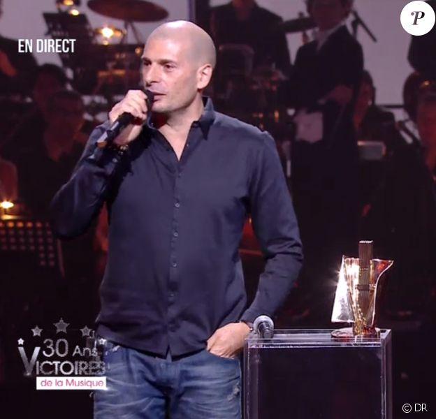 Akhenaton remporte la Victoire du meilleur album de musiques urbaines - aux 30e Victoires de la musique, au Zénith de Paris, le 13 février 2015.