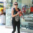 Reese Witherspoon se rend à son cours de gym avec son fils Deacon Phillippe à Los Angeles, le 15 février 2015.