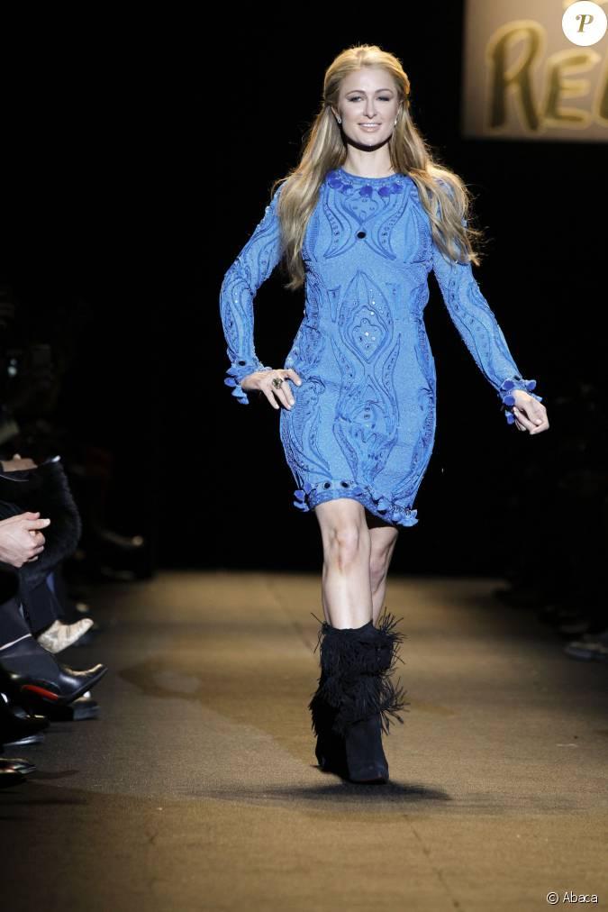 Paris hilton d file lors du show caritatif fashion for for Expo paris fevrier