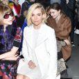 Anna Wintour et Sienna Miller assistent au défilé Calvin Klein automne-hiver 2015-2016, aux Spring Studios. New York, le 19 février 2015.