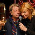 """Hervé Villard et Chantal Ladesou - Chantal Ladesou aux platines du restaurant """"la Gioia"""" à Paris le 25 février 2015."""