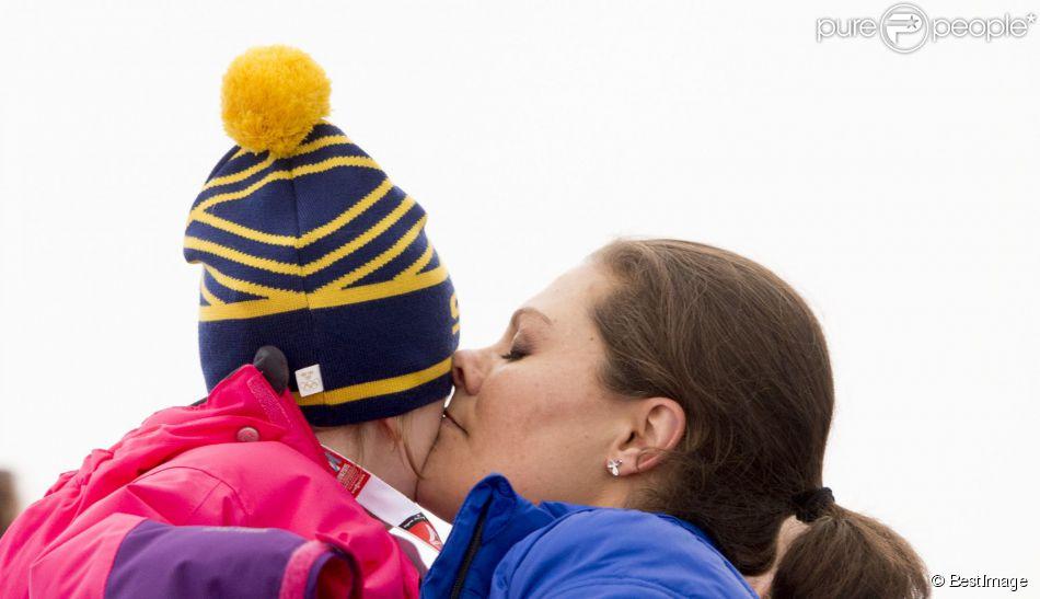 La princesse Victoria et la princesse Estelle de Suède - La famille royale suédoise assiste aux Championnats du monde de ski nordique de la FIS à Falun, le 19 février 2015.