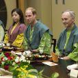 Le prince William en kimono pour un dîner dans un hôtel traditionnel de Koriyama, à Tokyo, le 28 février 2015, lors de sa visite officielle au Japon.