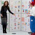 La princesse Mary de Danemark en visite à la Maison de l'Organisation du Handicap et la Société des maladies rares le 26 février 2015 à proximité de Copenhague.