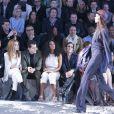 Joan Smalls défile sous les yeux de Roxane Mesquida, Josephine de La Baume, Mark Ronson, Solange Knowles, Noomi Rapace, Karolina Kurkova et Sofia Richie lors du défilé H&M Studio automne-hiver 2015-2016 au Grand Palais. Paris, le 4 mars 2015.