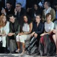 Joséphine de La Baume, Mark Ronson, Solange Knowles, Noomi Rapace et Olga Kurylenko assistent au défilé H&M Studio automne-hiver 2015-2016 au Grand Palais. Paris, le 4 mars 2015.