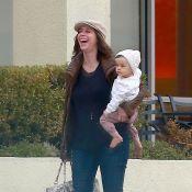Jennifer Love Hewitt : Enceinte et radieuse avec sa fille Autumn et son mari