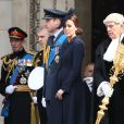 Le prince Andrew, le prince William, Kate Middleton le 13 mars 2015 en la cathédrale St Paul de Londres à un service commémorant les 453 membres des forces armées britanniques morts lors des opérations en Afghanistan depuis 2001.