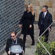 Michelle Hunziker et son époux Tomaso Trussardi quittent la clinique La Madonnina avec leur nouveau-né Celeste. À Milan, le 11 mars 2015.