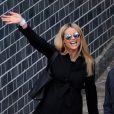 Michelle Hunziker, resplendissante, quitte la clinique La Madonnina avec son époux Tomaso Trussardi et leur nouveau-né Celeste. À Milan, le 11 mars 2015.