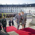 Le roi Willem-Alexander et la reine Maxima des Pays-Bas reçus par la reine Margrethe II et le prince Henrik de Danemark au palais de Fredensborg le 17 mars 2015 pour la cérémonie de bienvenue dans le cadre de leur visite officielle.
