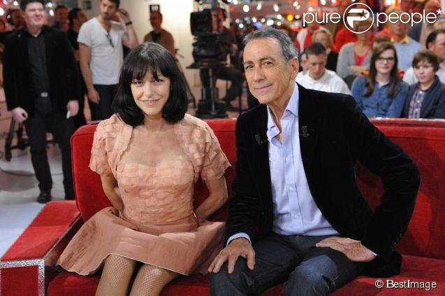 25 ans après leur histoire d'amour, Alain Chamfort et Lio s'étaient retrouvés sur le plateau de  Vivement dimanche  dans l'émission enregistrée le mercredi 25 février 2012 à Paris et diffusée le 6 mai.